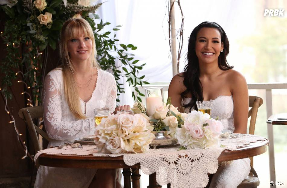 Glee saison 6, épisode 8 : Heather Morris et Naya Rivera sur une photo