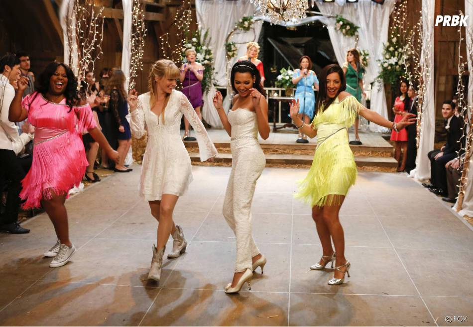 Glee saison 6, épisode 8 : Amber Riley, Heather Morris, Naya Rivera et Vanessa Lengies sur une photo