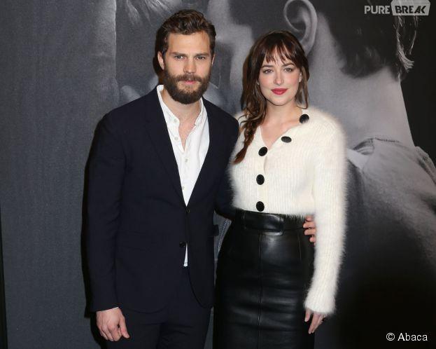 Jamie Dornan et Dakota Johnson à une projection du film Fifty Shades of Grey le 6 févrer 2015 à New York