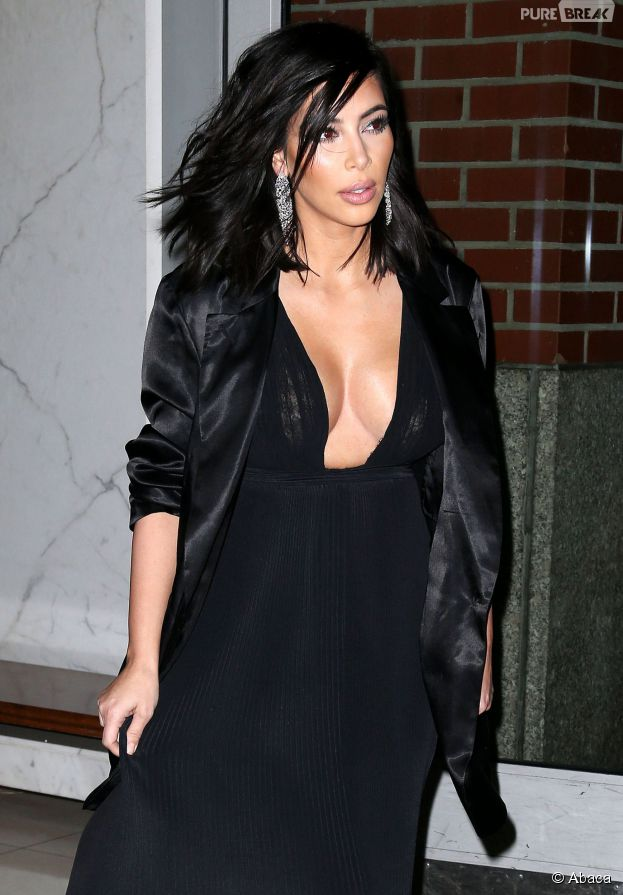 Kim Kardashian décolettée à la Fashion Week de New York le 15 janvier 2015