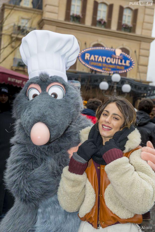 Martina Stoessel (Violetta) à Disneyland Paris le 17 février 2015