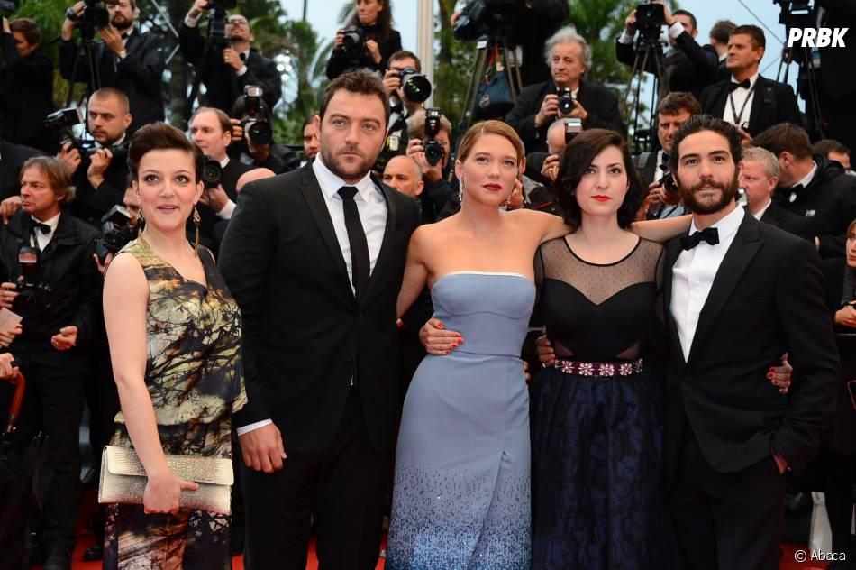 Camille Lellouche, candidate de The Voice 4, en photo au Festival de Cannes avec Léa Seydoux, Tahar Rahim et l'équipe du film Grand Central