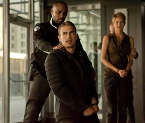 Divergente 2 : Theo James et Shailene Woodley sur une photo