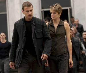 Divergente 2 : Quatre (Theo James) et Tris (Shailene Woodley) sur une photo