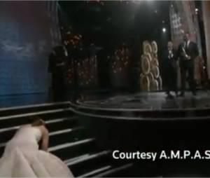 Jennifer Lawrence chute aux Oscars 2013