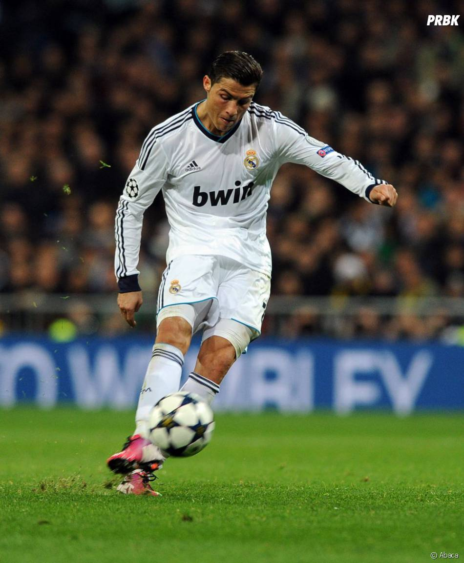 Cristiano Ronaldo joue comme attaquant au Real Madrid