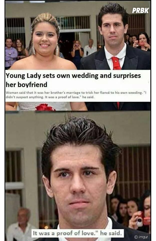 Sa copine l'invite au mariage de son frère, en fait c'est leur mariage. Il a l'air RAVI.
