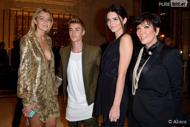Justin Bieber, Kendall Jenner et Kris Jenner prennent la pose à Paris, le 30 septembre 2014