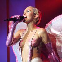 Miley Cyrus seins nus et drogue sur scène : le concert le plus hot (ou provoc ?) du monde