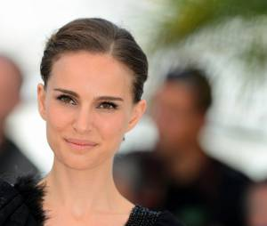 Natalie Portman très sexy lors du photocall du film A Tale of Love and Darkness le dimanche 17 mai au Festival de Cannes