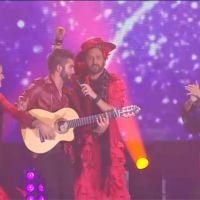 Cyril Hanouna et Kendji Girac chantent en duo à la soirée Europe 1 : danse de l'épaule andalouse !