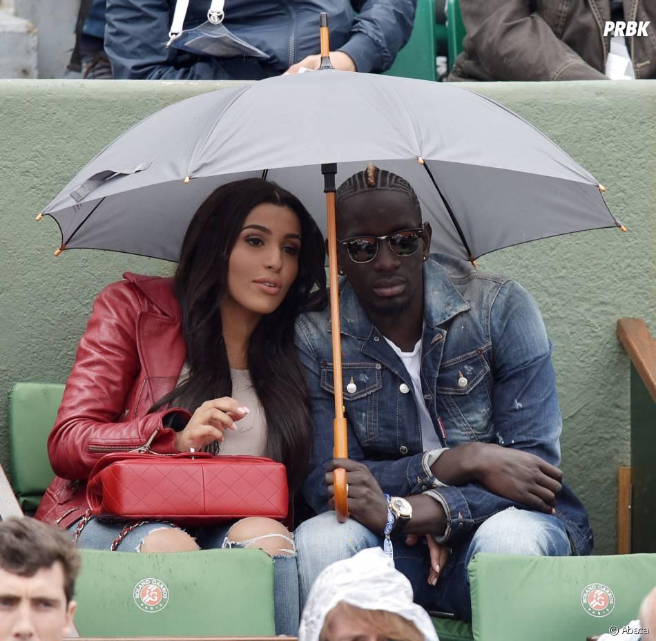 Mamadou Sakho et sa femme lors du match des huitièmes de finale de Jo-Wilfried Tsonga à Roland Garros le 31 mai 2015