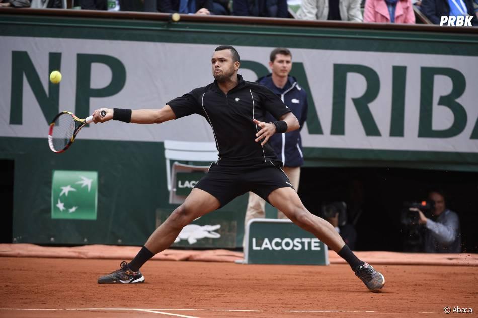 Jo-Wilfried Tsonga durant les huitièmes de finale à Roland Garros le 31 mai 2015