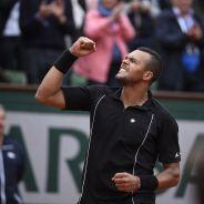 Jo-Wilfried Tsonga qualifié devant sa belle Noura, Cyril Hanouna et Mamadou Sakho à Roland Garros