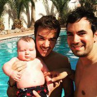 Alex Goude et Romain : le couple heureux pour sa 1ère Fête des Pères avec Elliot
