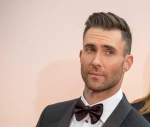 Adam Levine : le mari de Behati Prinsloo s'est rasé les cheveux