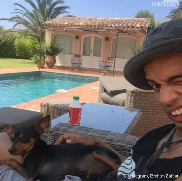 Brahim zaibat au bord de la piscine sur instagram for Au bord de la piscine tours