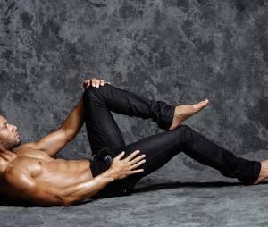 Xavier Delarue prend la pose pour un shooting de Jean-Luc Michon