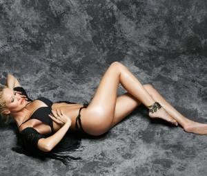 Tatiana Laurens sexy en lingerie pour un shooting de Jean-Luc Michon