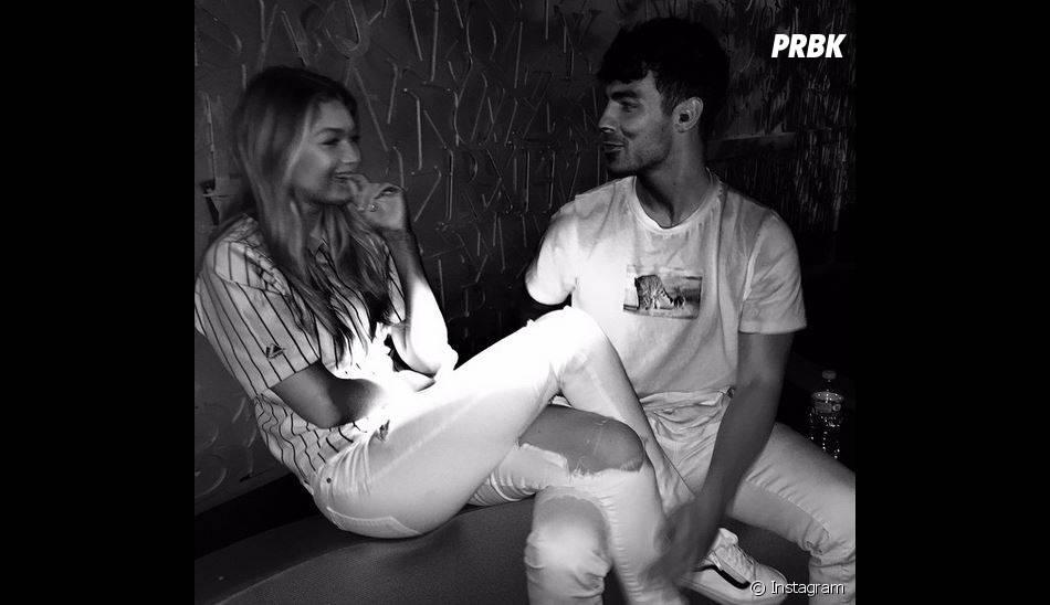 Gigi Hadid et Joe Jonas : couple complice sur Instagram
