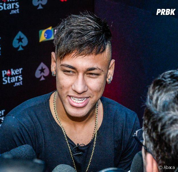 Neymar avant son crâne rasé