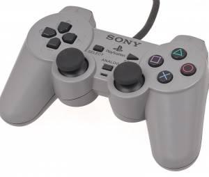 La manette Dualshock de la PlayStation