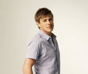 Chris Lowell dans Private Practice