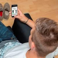 Les jeunes passent plus de temps à utiliser leurs smartphones... qu'à manger