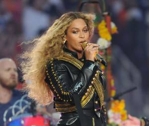 Beyoncé sexy au Super Bowl 2016 le 8 février