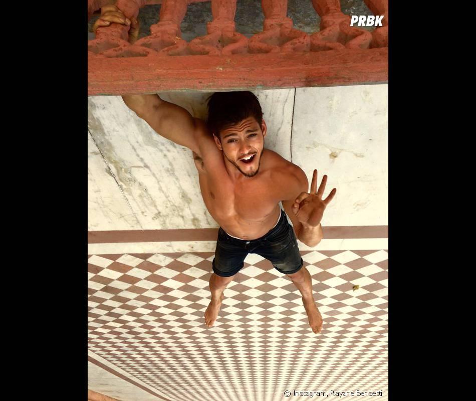 Rayane Bensetti s'éclate en Inde pour le tournage de Coup de foudre à Jaipur