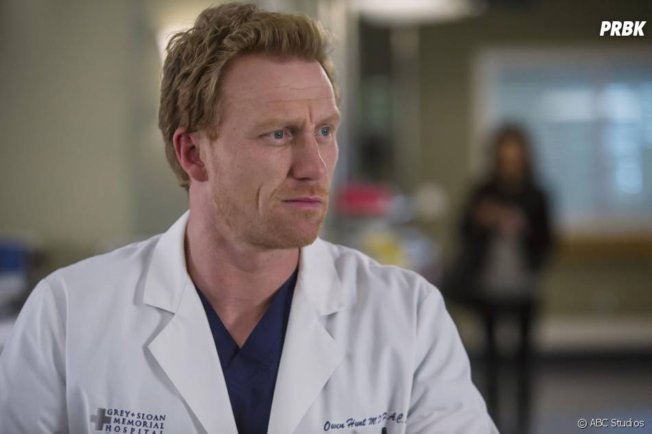 Grey's Anatomy saison 12, épisode 16 : Owen (Kevin McKidd) sur une photo