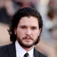 Kit Harington (Game of Thrones) fesses à l'air sur scène : ses fans postent les photos sur le web