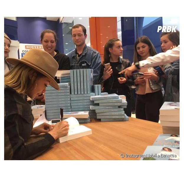 "Nabilla Benattia : son livre ""Trop vite"" fait un carton"
