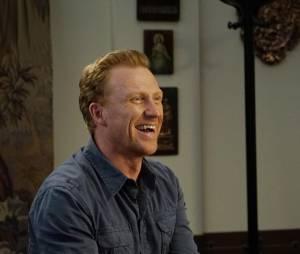 Grey's Anatomy saison 12, épisode 24 : Owen (Kevin McKidd) sur une photo