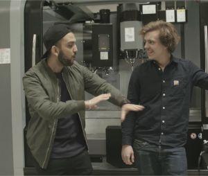 Jhon Rachid et Maxime, technicien d'application dans le secteur des équipements de production