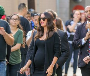 Megan Fox affiche son baby bump