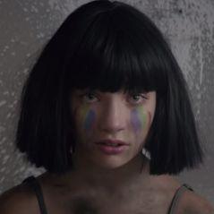 """Clip """"The Greatest"""" : Sia rend hommage aux victimes de la tuerie d'Orlando 🌈"""