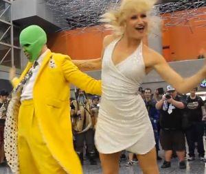La danse mythique de The Mask par deux cosplayers.