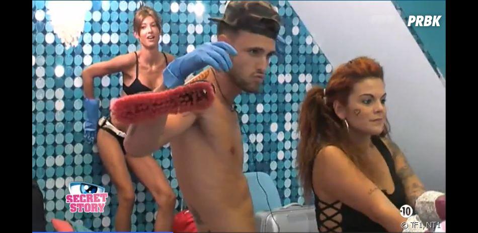 Secret Story 10 : Mélanie, Bastien et Fanny lors du sexy ménage
