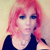 Jessica Thivenin (Les Marseillais) ose les cheveux rouges... enfin presque !