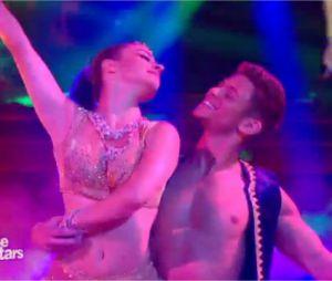 Rayane Bensetti et Denitsa Ikonomova dansent un Bollywood dans Danse avec les Stars 5