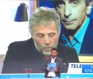 Cyril Hanouna révèle les salaires de plusieurs chroniqueurs dont Stéphane Guillon dans TPMP le 18 octobre 2016