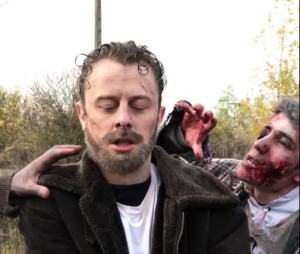 The Walking Dead : Norman devient Rick Grimes pour un mannequin challenge sanglant !