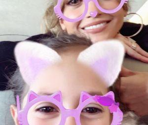 Jennifer Lopez pose avec sa fille Emme sur Instagram.