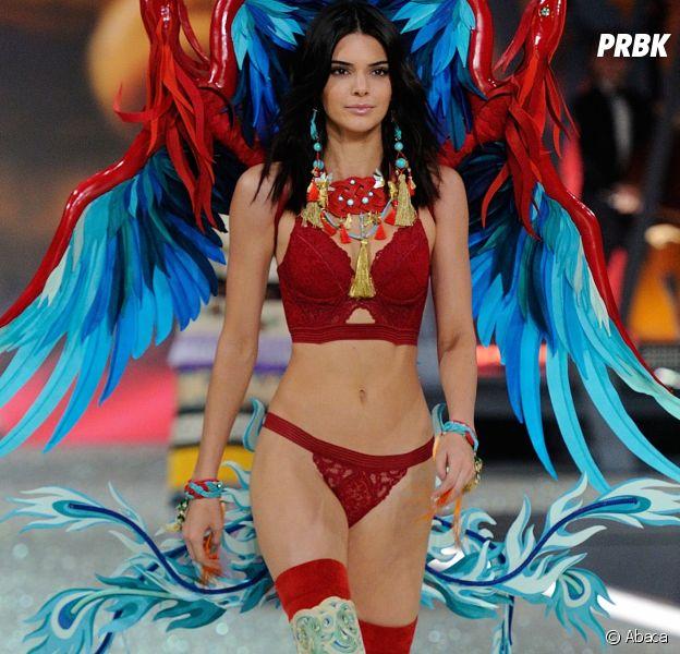 Kendall Jenner au défilé Victoria's Secret au Grand Palais à Paris.