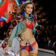 Gigi Hadid au défilé Victoria's Secret au Grand Palais à Paris.