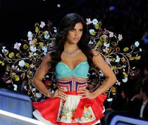 Sara Sampaio au défilé Victoria's Secret au Grand Palais à Paris.