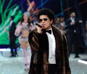 Bruno Mars au défilé Victoria's Secret au Grand Palais à Paris.