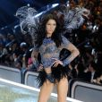 Bella Hadid au défilé Victoria's Secret au Grand Palais à Paris.