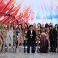 Bruno Mars, Lady Gaga et The Weeknd ont chanté cette anéne au défilé Victoria's Secret au Grand Palais à Paris, entourés des plus grands tops.